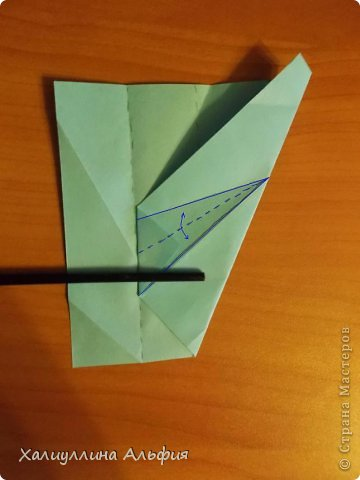 """Эту модель я нашла в книге Томоко Фусэ """"Многогранники"""". Она проста в сборке (в книге помечена двумя звездочками сложности). Для ее сборки НЕ нужен клей. Только бумага и немного терпения. фото 12"""