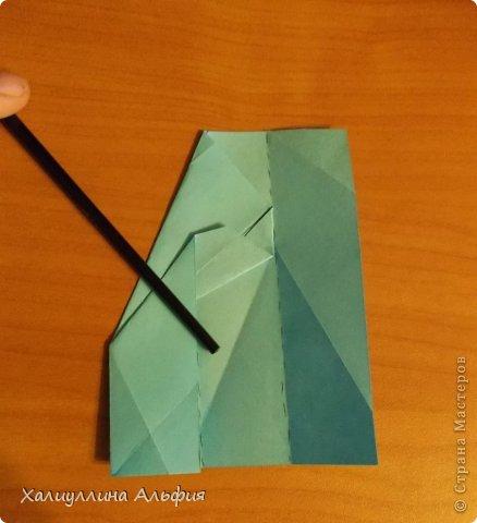 """Эту модель я нашла в книге Томоко Фусэ """"Многогранники"""". Она проста в сборке (в книге помечена двумя звездочками сложности). Для ее сборки НЕ нужен клей. Только бумага и немного терпения. фото 16"""