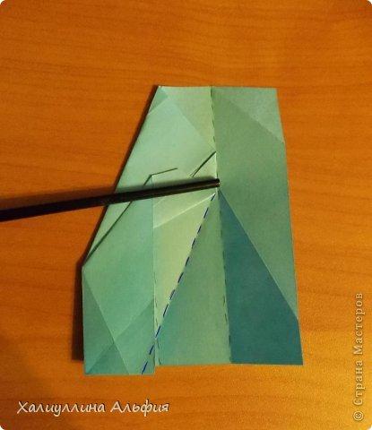 """Эту модель я нашла в книге Томоко Фусэ """"Многогранники"""". Она проста в сборке (в книге помечена двумя звездочками сложности). Для ее сборки НЕ нужен клей. Только бумага и немного терпения. фото 17"""