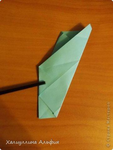 """Эту модель я нашла в книге Томоко Фусэ """"Многогранники"""". Она проста в сборке (в книге помечена двумя звездочками сложности). Для ее сборки НЕ нужен клей. Только бумага и немного терпения. фото 19"""