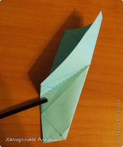 """Эту модель я нашла в книге Томоко Фусэ """"Многогранники"""". Она проста в сборке (в книге помечена двумя звездочками сложности). Для ее сборки НЕ нужен клей. Только бумага и немного терпения. фото 21"""