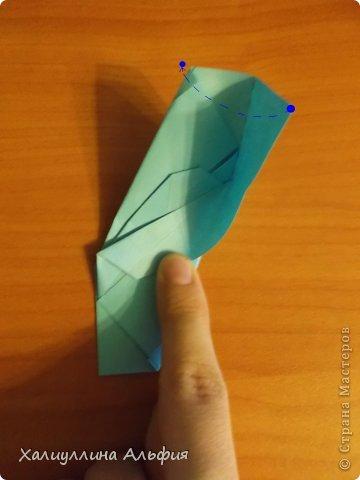 """Эту модель я нашла в книге Томоко Фусэ """"Многогранники"""". Она проста в сборке (в книге помечена двумя звездочками сложности). Для ее сборки НЕ нужен клей. Только бумага и немного терпения. фото 22"""