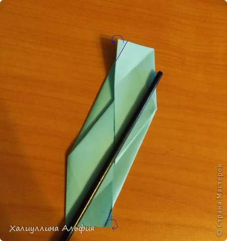 """Эту модель я нашла в книге Томоко Фусэ """"Многогранники"""". Она проста в сборке (в книге помечена двумя звездочками сложности). Для ее сборки НЕ нужен клей. Только бумага и немного терпения. фото 25"""