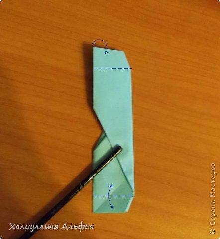 """Эту модель я нашла в книге Томоко Фусэ """"Многогранники"""". Она проста в сборке (в книге помечена двумя звездочками сложности). Для ее сборки НЕ нужен клей. Только бумага и немного терпения. фото 27"""