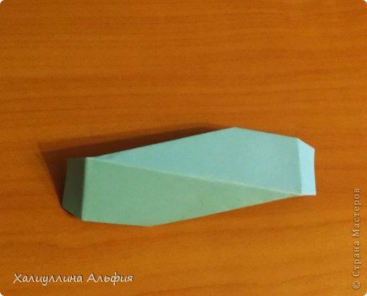 """Эту модель я нашла в книге Томоко Фусэ """"Многогранники"""". Она проста в сборке (в книге помечена двумя звездочками сложности). Для ее сборки НЕ нужен клей. Только бумага и немного терпения. фото 29"""