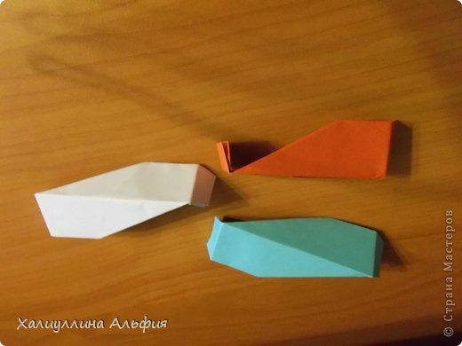 """Эту модель я нашла в книге Томоко Фусэ """"Многогранники"""". Она проста в сборке (в книге помечена двумя звездочками сложности). Для ее сборки НЕ нужен клей. Только бумага и немного терпения. фото 31"""