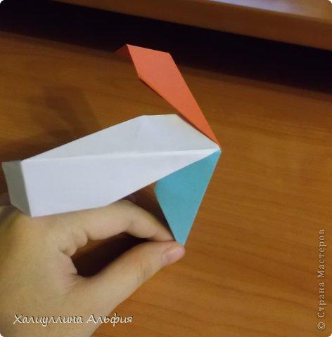 """Эту модель я нашла в книге Томоко Фусэ """"Многогранники"""". Она проста в сборке (в книге помечена двумя звездочками сложности). Для ее сборки НЕ нужен клей. Только бумага и немного терпения. фото 35"""