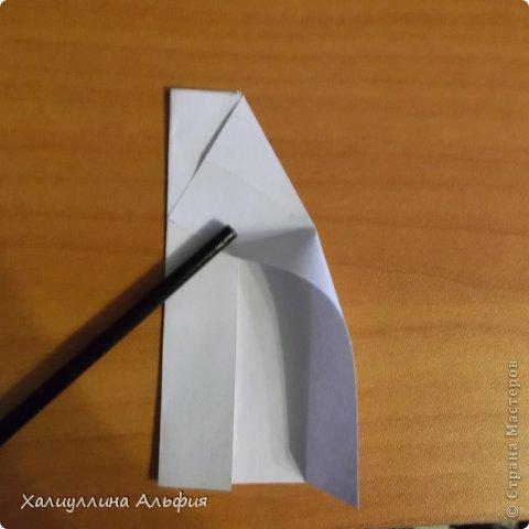 """Эта кусудама очень проста в сборке. Ее я делала по видео-мастерклассу TadashiMori на ютубе. Вот и ссылка: http://www.youtube.com/watch?v=E5pAdiKKsRQ&feature=player_embedded Оригинал https://www.flickr.com/photos/mancinerie/5158402157/in/set-72157625705249454  Мне она немного напомнила всем известную """"Электру"""". Потому что в нее с таким же удовольствием можно """"посадить"""" любые цветочки. А вообще, она сама по себе красива, на мой взгляд. Для сборки совсем не нужен клей. Только бумага, час времени и терпение. фото 5"""