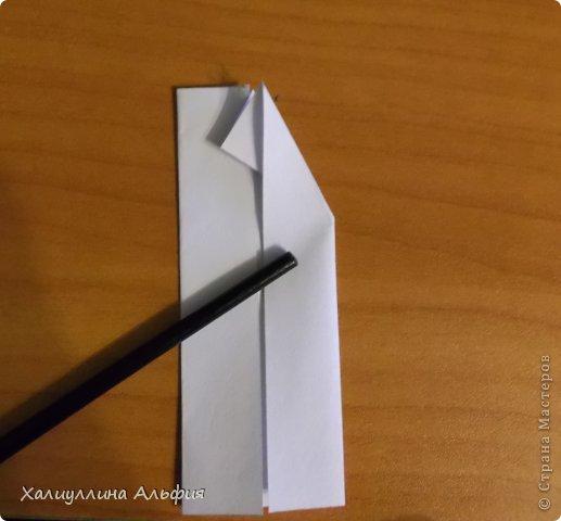 """Эта кусудама очень проста в сборке. Ее я делала по видео-мастерклассу TadashiMori на ютубе. Вот и ссылка: http://www.youtube.com/watch?v=E5pAdiKKsRQ&feature=player_embedded Оригинал https://www.flickr.com/photos/mancinerie/5158402157/in/set-72157625705249454  Мне она немного напомнила всем известную """"Электру"""". Потому что в нее с таким же удовольствием можно """"посадить"""" любые цветочки. А вообще, она сама по себе красива, на мой взгляд. Для сборки совсем не нужен клей. Только бумага, час времени и терпение. фото 6"""
