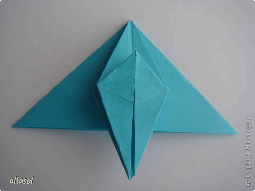 """Готовлюсь к занятиям кружка """"Оригами"""". Тема """"Орнаменты"""". Чтобы заинтересовать, стараюсь сделать образцы. Вот что у меня получилось сегодня. Это орнамент """"Иллюзия"""". Делала по книге Т.Сержантовой """"100 праздничных моделей оригами"""". Выглядит красиво, но уж очень много слоев. Ведь этот орнамент из 20 модулей. фото 50"""