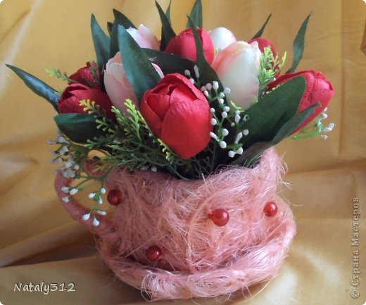 Проволока, сизаль, немного бусин и искусственные цветы. фото 2
