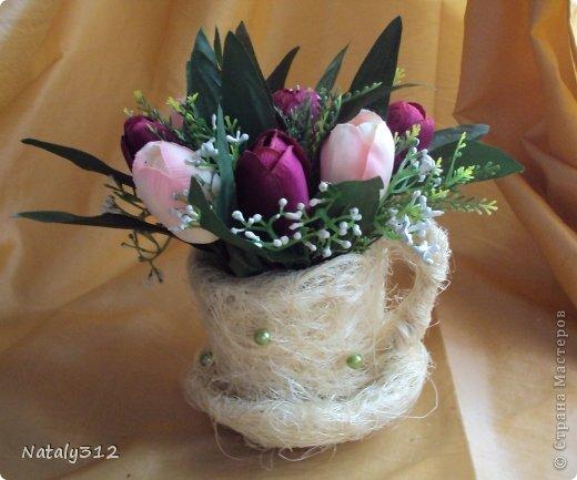 Проволока, сизаль, немного бусин и искусственные цветы. фото 5