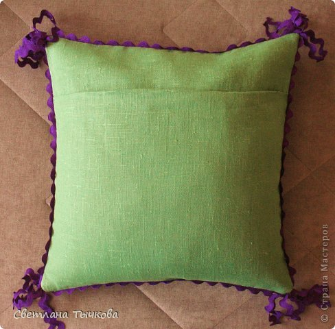 """Подушка из моей коллекции """"""""вышивального долгостроя"""""""". фото 3"""