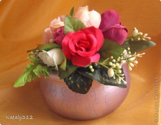 Липовые заготовки, искусственные цветы, краски (где акриловые, где аэрозольные), контуры или поталь (крошка). Вот и получились шкатулки для украшений - подарки на 8 Марта. фото 8