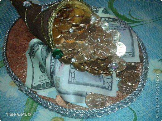 Поделка из денежной купюры