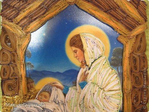 """Здравствуйте! Смотрели мы на мою картину """"Рождество"""", ну не хватает чего-то и все! Ну мне и первый вариант нравился, но родители настояли) Догадались, верхней части не хватает! И точно! Картина смотрится теперь более законченно. Все довольны)  фото 3"""