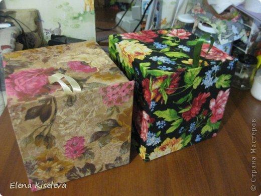 Вот такие коробочки у меня получились. Идею нашла в интернете. Там была маленькая, для колец. фото 1