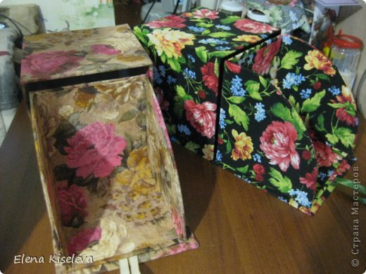 Вот такие коробочки у меня получились. Идею нашла в интернете. Там была маленькая, для колец. фото 31