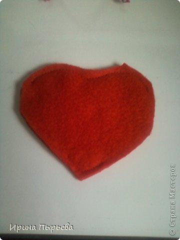 Увидела я на просторах Инета маленькое пластмассовое сердечко на длинных ножках в белых кедах......Несколько дней крутилась у меня в голове идея.И вот во что вылилась! фото 6