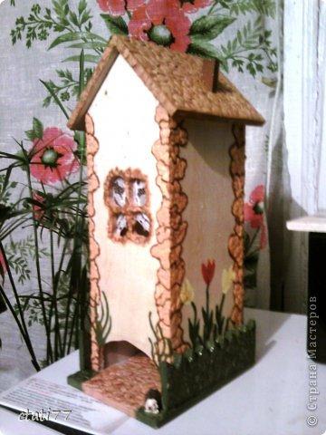Очень понравились чайные домики мастериц, вот и я решила попробывать себя в этом творчестве. (огромное спасибо всем за вдохновение) Тем более скоро 8марта. Вот и первый подарок подружкам.
