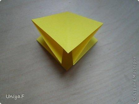 Привет друзьям!  Кусудама, про которую я решилась вам напомнить, была придумана год назад. И в силу определенных обстоятельств туториал на нее был размещен в All-origami. И, к большому сожалению, про кусудаму забыли. А она, честное слово, очень красивая. Ее можно сравнить с Монблосс и Азалией Татьяны Высочиной. Такая же цветочная и воздушная.  Поэтому, зная, что вы сейчас готовите весенние подарки, я решила выложить в СМ повторный МК. Буду рада, если он вам пригодится.  Name: Wild Rose Designer: Uniya Filonova Parts: 30 + 60 Paper: 6,5*6,5 + 8,5*8,5 Final height: 12 сm Assembled without glue.  модель принимала участие во флешмобе http://stranamasterov.ru/node/547199?tid=2168%2C850 фото 5