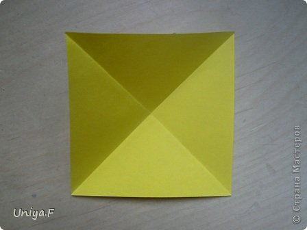 Привет друзьям!  Кусудама, про которую я решилась вам напомнить, была придумана год назад. И в силу определенных обстоятельств туториал на нее был размещен в All-origami. И, к большому сожалению, про кусудаму забыли. А она, честное слово, очень красивая. Ее можно сравнить с Монблосс и Азалией Татьяны Высочиной. Такая же цветочная и воздушная.  Поэтому, зная, что вы сейчас готовите весенние подарки, я решила выложить в СМ повторный МК. Буду рада, если он вам пригодится.  Name: Wild Rose Designer: Uniya Filonova Parts: 30 + 60 Paper: 6,5*6,5 + 8,5*8,5 Final height: 12 сm Assembled without glue.  модель принимала участие во флешмобе http://stranamasterov.ru/node/547199?tid=2168%2C850 фото 3