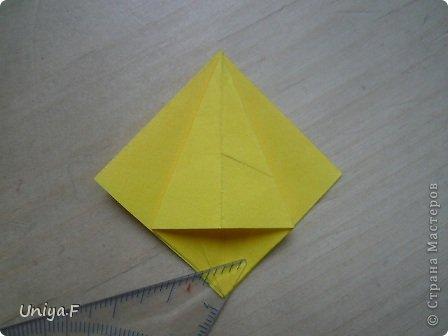 Привет друзьям!  Кусудама, про которую я решилась вам напомнить, была придумана год назад. И в силу определенных обстоятельств туториал на нее был размещен в All-origami. И, к большому сожалению, про кусудаму забыли. А она, честное слово, очень красивая. Ее можно сравнить с Монблосс и Азалией Татьяны Высочиной. Такая же цветочная и воздушная.  Поэтому, зная, что вы сейчас готовите весенние подарки, я решила выложить в СМ повторный МК. Буду рада, если он вам пригодится.  Name: Wild Rose Designer: Uniya Filonova Parts: 30 + 60 Paper: 6,5*6,5 + 8,5*8,5 Final height: 12 сm Assembled without glue.  модель принимала участие во флешмобе http://stranamasterov.ru/node/547199?tid=2168%2C850 фото 8