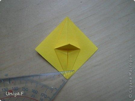 Привет друзьям!  Кусудама, про которую я решилась вам напомнить, была придумана год назад. И в силу определенных обстоятельств туториал на нее был размещен в All-origami. И, к большому сожалению, про кусудаму забыли. А она, честное слово, очень красивая. Ее можно сравнить с Монблосс и Азалией Татьяны Высочиной. Такая же цветочная и воздушная.  Поэтому, зная, что вы сейчас готовите весенние подарки, я решила выложить в СМ повторный МК. Буду рада, если он вам пригодится.  Name: Wild Rose Designer: Uniya Filonova Parts: 30 + 60 Paper: 6,5*6,5 + 8,5*8,5 Final height: 12 сm Assembled without glue.  модель принимала участие во флешмобе http://stranamasterov.ru/node/547199?tid=2168%2C850 фото 9