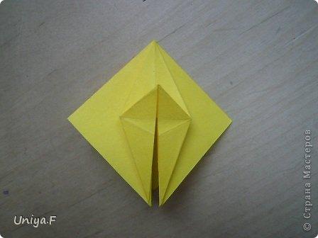 Привет друзьям!  Кусудама, про которую я решилась вам напомнить, была придумана год назад. И в силу определенных обстоятельств туториал на нее был размещен в All-origami. И, к большому сожалению, про кусудаму забыли. А она, честное слово, очень красивая. Ее можно сравнить с Монблосс и Азалией Татьяны Высочиной. Такая же цветочная и воздушная.  Поэтому, зная, что вы сейчас готовите весенние подарки, я решила выложить в СМ повторный МК. Буду рада, если он вам пригодится.  Name: Wild Rose Designer: Uniya Filonova Parts: 30 + 60 Paper: 6,5*6,5 + 8,5*8,5 Final height: 12 сm Assembled without glue.  модель принимала участие во флешмобе http://stranamasterov.ru/node/547199?tid=2168%2C850 фото 10