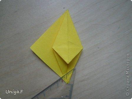 Привет друзьям!  Кусудама, про которую я решилась вам напомнить, была придумана год назад. И в силу определенных обстоятельств туториал на нее был размещен в All-origami. И, к большому сожалению, про кусудаму забыли. А она, честное слово, очень красивая. Ее можно сравнить с Монблосс и Азалией Татьяны Высочиной. Такая же цветочная и воздушная.  Поэтому, зная, что вы сейчас готовите весенние подарки, я решила выложить в СМ повторный МК. Буду рада, если он вам пригодится.  Name: Wild Rose Designer: Uniya Filonova Parts: 30 + 60 Paper: 6,5*6,5 + 8,5*8,5 Final height: 12 сm Assembled without glue.  модель принимала участие во флешмобе http://stranamasterov.ru/node/547199?tid=2168%2C850 фото 12