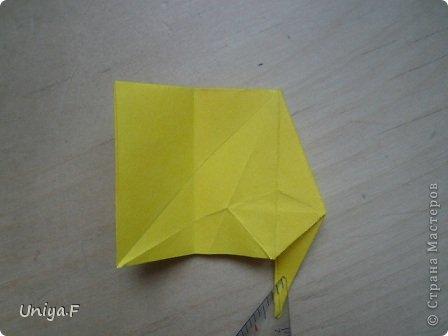 Привет друзьям!  Кусудама, про которую я решилась вам напомнить, была придумана год назад. И в силу определенных обстоятельств туториал на нее был размещен в All-origami. И, к большому сожалению, про кусудаму забыли. А она, честное слово, очень красивая. Ее можно сравнить с Монблосс и Азалией Татьяны Высочиной. Такая же цветочная и воздушная.  Поэтому, зная, что вы сейчас готовите весенние подарки, я решила выложить в СМ повторный МК. Буду рада, если он вам пригодится.  Name: Wild Rose Designer: Uniya Filonova Parts: 30 + 60 Paper: 6,5*6,5 + 8,5*8,5 Final height: 12 сm Assembled without glue.  модель принимала участие во флешмобе http://stranamasterov.ru/node/547199?tid=2168%2C850 фото 15