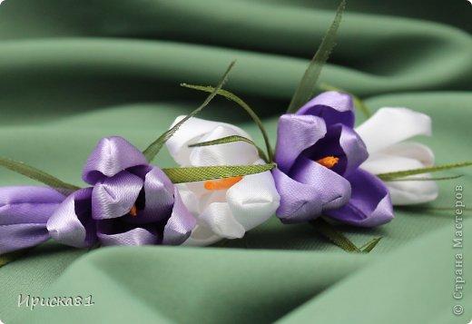 Мастер-класс Цумами Канзаши Будем делать крокусы? МК крокусов из ткани в технике Канзаши Ленты фото 1