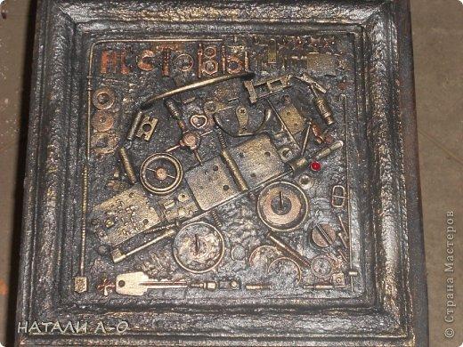 Поделка изделие 23 февраля Ассамбляж Стимпанк- ключница Материал бросовый фото 1