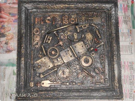 Поделка изделие 23 февраля Ассамбляж Стимпанк- ключница Материал бросовый фото 8