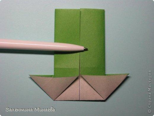 Кусудама Shalimar автор - Валентина Минаева (Valentina Minayeva) модули асимметричные, 60 штук соотношение 3,5 : 4 размер бумаги 5,0 х 6,0 см, итог - 10 см сборка с клеем (в пятерках модулей)  Инна, спасибо за название!  Вот здесь уже есть видео: http://www.youtube.com/watch?v=XCYXM-NuSUU&feature=youtu.be  фото 15