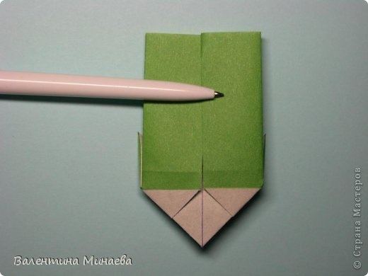 Кусудама Shalimar автор - Валентина Минаева (Valentina Minayeva) модули асимметричные, 60 штук соотношение 3,5 : 4 размер бумаги 5,0 х 6,0 см, итог - 10 см сборка с клеем (в пятерках модулей)  Инна, спасибо за название!  Вот здесь уже есть видео: http://www.youtube.com/watch?v=XCYXM-NuSUU&feature=youtu.be  фото 20