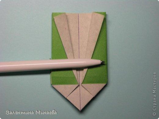Кусудама Shalimar автор - Валентина Минаева (Valentina Minayeva) модули асимметричные, 60 штук соотношение 3,5 : 4 размер бумаги 5,0 х 6,0 см, итог - 10 см сборка с клеем (в пятерках модулей)  Инна, спасибо за название!  Вот здесь уже есть видео: http://www.youtube.com/watch?v=XCYXM-NuSUU&feature=youtu.be  фото 24