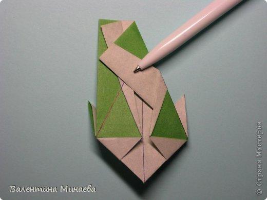 Кусудама Shalimar автор - Валентина Минаева (Valentina Minayeva) модули асимметричные, 60 штук соотношение 3,5 : 4 размер бумаги 5,0 х 6,0 см, итог - 10 см сборка с клеем (в пятерках модулей)  Инна, спасибо за название!  Вот здесь уже есть видео: http://www.youtube.com/watch?v=XCYXM-NuSUU&feature=youtu.be  фото 30