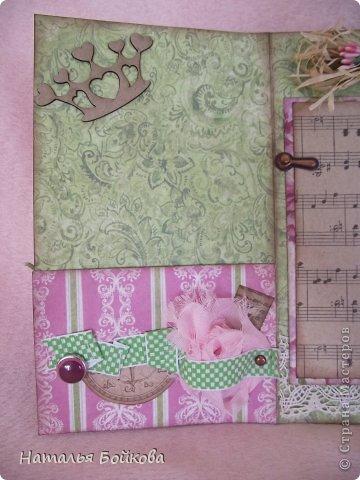 Здравствуйте, девочки! Такую открытку-миник решили мы сделать бабушке на 8 марта. МК по форме здесь http://stampomania-challenge.blogspot.ru/2011/10/lilavadi.html фото 2
