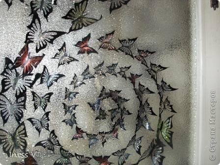 Моя первая стрекоза.  Усики  сделаны из бисера, раскрашивала лаками для ногтей!  фото 9