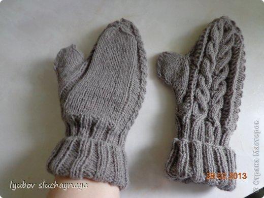 Вязание - Варежки с косами.