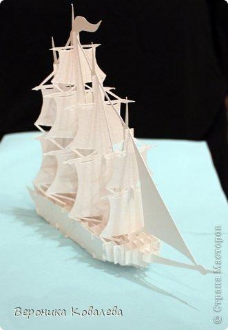"""Наконец-то у меня """"дошли руки"""" вырезать эту схему=))) Собрались я с терпением (да, да, без него никак не собрать эту схемку) и сделали мы вот такую замечательную открытку - кораблик!   Поплывет мой корабль в Финляндию в подарок коллеге по работе!!! =))) Автор схемки - Tien Phuong (Vietnam) фото 3"""