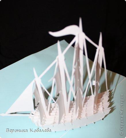 """Наконец-то у меня """"дошли руки"""" вырезать эту схему=))) Собрались я с терпением (да, да, без него никак не собрать эту схемку) и сделали мы вот такую замечательную открытку - кораблик!   Поплывет мой корабль в Финляндию в подарок коллеге по работе!!! =))) Автор схемки - Tien Phuong (Vietnam) фото 7"""