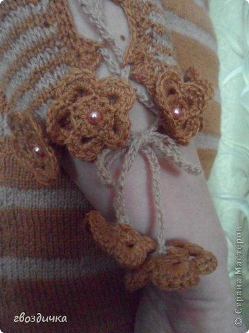 Пуловер с разрезами на рукавах. фото 6