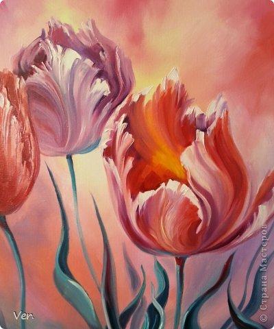 С приходом весны и радостного настроения нарисовалась такая картина:)Тюльпаны,которые я уже подарила мамочке на 8 марта:))Правда,не умею я цветы рисовать,фиолетовый тюльпан вообще на цветок не похож:))