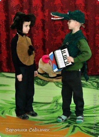Такой вот костюм Крокодила Гены я сшила сынуле для школьного спектакля.   фото 2
