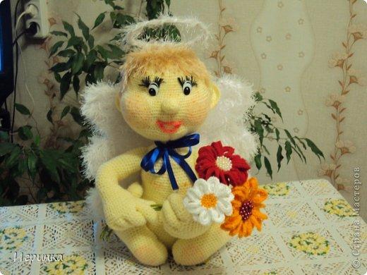 Ну  как-же женщина в праздник без своего ангела? (Спасибо за МК-онлайн Русалке - форум амигуруми).