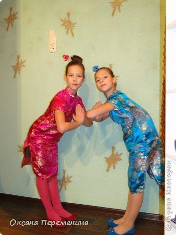 К новому году покупала дочкам платья в виде кимоно, вот решила добавить к образу еще и заколочек. фото 7