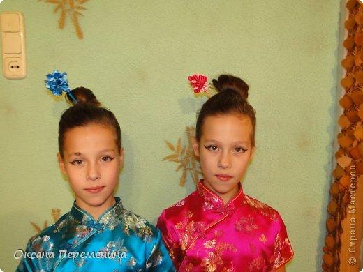 К новому году покупала дочкам платья в виде кимоно, вот решила добавить к образу еще и заколочек. фото 1