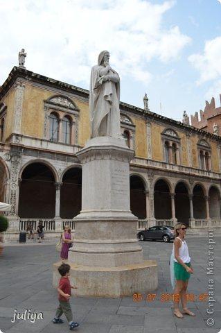11 марта день Ромео и Джульетты. Согласно Шекспиру в этот день в 1302 году были обручены Ромео и Джульетта. Самое время увидеть где они жили, и когда еще как не сегодня совершить путешествие в Верону. фото 29